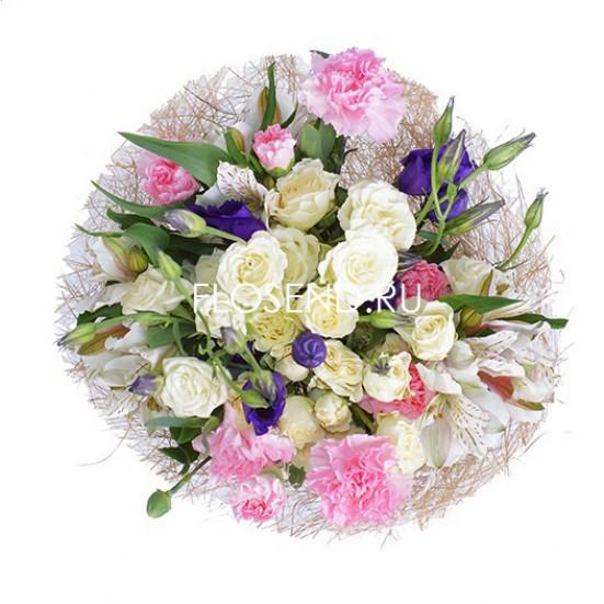 Букет из эустомы и кустовой розы