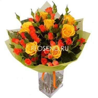 Букет из больших и маленьких роз